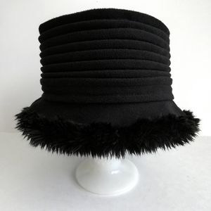 Isotoner SmartDRI Black Bucket Hat W/Fur Trim